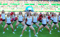 07.06.2014, Ernst Happel Stadion, Wien, AUT, American Football Europameisterschaft 2014, Finale, Oesterreich (AUT) vs Deutschland (GER), im Bild Cheerleader // during the American Football European Championship 2014 final game between Austria and Denmark at the Ernst Happel Stadion, Vienna, Austria on 2014/06/07. EXPA Pictures © 2014, PhotoCredit: EXPA/ Thomas Haumer
