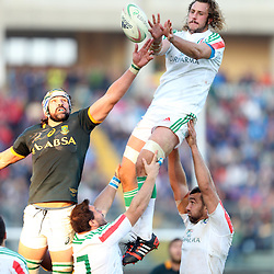 PADUA, ITALY - NOVEMBER 22: Joshua Furno of Italy out jumps Victor Matfield of South Africa during the Castle Lager Outgoing Tour match between Italy and South African at Stadio Euganeo on November 22, 2014 in Padua, Italy. (Photo by Steve Haag/Gallo Images)