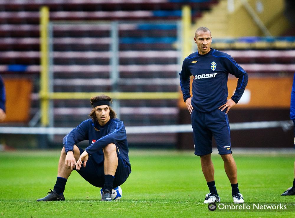 STOCKHOLM 080908<br /> TR&Auml;NING FOTBOLLSLANDSLAGET VM-KVAL<br /> I bild: Zlatan Ibrahimovic och Henrik Larsson