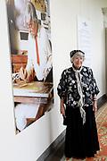 Offici&euml;le opening van de tentoonstelling 'Was getekend, Rien Poortvliet' op Paleis Soestdijk.Paleis Soestdijk presenteert een unieke collectie kerstkaarten die Rien Poortvliet maakte voor koningin Juliana en prins Bernhard. <br /> <br /> Op de foto:  Corrie Poortvliet , weduwe van  Rien Poortvliet