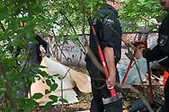 Wenn Obdachlose sich einen Unterstand suchen, oder ein Zelt aufstellen im &ouml;ffentlichen Raum, um nicht schutzlos der Witterung ausgesetzt zu sein, werden diese Schlafpl&auml;tze h&auml;ufig durch den Ordnungsdienst ger&auml;umt. <br /> Das Hamburger Aktionsb&uuml;ndnis gegen Wohnungsnot fordert:  Es darf in Hamburg keine Vertreibung obdachloser  Menschen von ihren &bdquo;Platten&ldquo; geben.
