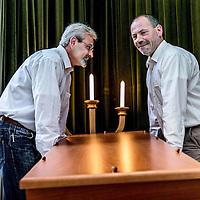 Nederland, Hoorn, 26 augustus 2016.<br /> Arjen Dragt (r) en Peter Arts van de Doe het Zelf uitvaart in Hoorn.<br /> <br /> Arjen Dragt (R) and Peter Arts from  Do-it-yourself funeral compnay in Hoorn, the Netherlands.<br /> <br /> Foto: Jean-Pierre Jans