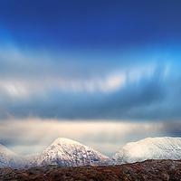 Macgillycuddy's Reeks Range Panorama in Winter, County Kerry, Ireland / ba058