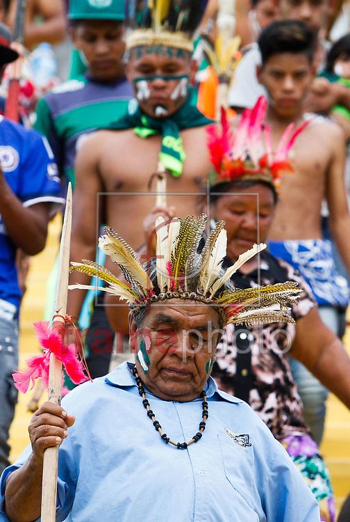 Integrantes da tribo Condá prestaram  homenagem às vítimas do acidente do avião que transportava o time catarinense para Medellín, na Colômbia na tarde de quinta-feira 01 na Arena Condá em Chapeco Foto Marcelo D. Sants/FramePhoto.