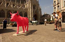 Cow Art in Brussels, July 10, 2003. (Photo © Jock Fistick)