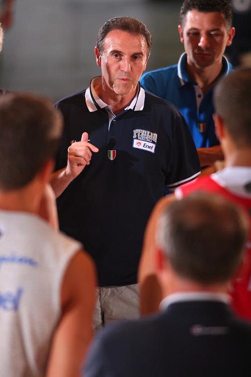 DESCRIZIONE : Bormio Raduno Collegiale Nazionale Maschile Allenamento <br /> GIOCATORE : Carlo Recalcati <br /> SQUADRA : Nazionale Italia Uomini <br /> EVENTO : Raduno Collegiale Nazionale Maschile <br /> GARA : <br /> DATA : 28/07/2008 <br /> CATEGORIA : Ritratto <br /> SPORT : Pallacanestro <br /> AUTORE : Agenzia Ciamillo-Castoria/S.Silvestri <br /> Galleria : Fip Nazionali 2008 <br /> Fotonotizia : Bormio Raduno Collegiale Nazionale Maschile Allenamento <br /> Predefinita :