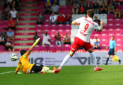 31.05.2015, Generali Arena, Wien, AUT, 1. FBL, FK Austria Wien vs FC Red Bull Salzburg, 36. Runde, im Bild Heinz Lindner (FK Austria Wien), Marco Djuricin (FC Red Bull Salzburg) beim Tor zum 1:1// during Austrian Football Bundesliga Match, 36th round, between FK Austria Vienna and FC Red Bull Salzburg at the Generali Arena, Wien, Austria on 2015/05/31. EXPA Pictures © 2015, PhotoCredit: EXPA/ Sebastian Pucher