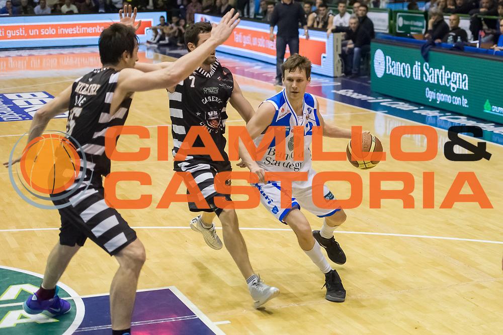 DESCRIZIONE : LegaBasket Serie A 2012-13 Banco di Sardegna Dinamo Sassari - Juve Caserta<br /> GIOCATORE : Travis Diener<br /> CATEGORIA : Palleggio Penetrazione<br /> SQUADRA :  Dinamo Banco di Sardegna Sassari<br /> EVENTO : Campionato Serie A<br /> GARA : Banco di Sardegna Dinamo Sassari - Juve Caserta<br /> DATA : 28/04/2013<br /> SPORT : Pallacanestro <br /> AUTORE : Agenzia Ciamillo-Castoria / Luigi Canu<br /> Galleria : Lega Basket A 2012-2013  <br /> Fotonotizia : LegaBasket Serie A 2012-13 Banco di Sardegna Dinamo Sassari - Juve Caserta<br /> Predefinita :