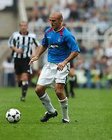 Fotball<br /> Gateshead Cup 2004<br /> Newcastle v Glasgow Rangers<br /> 1. august 2004<br /> Foto: Digitalsport<br /> NORWAY ONLY<br /> Alex Rae, Rangers