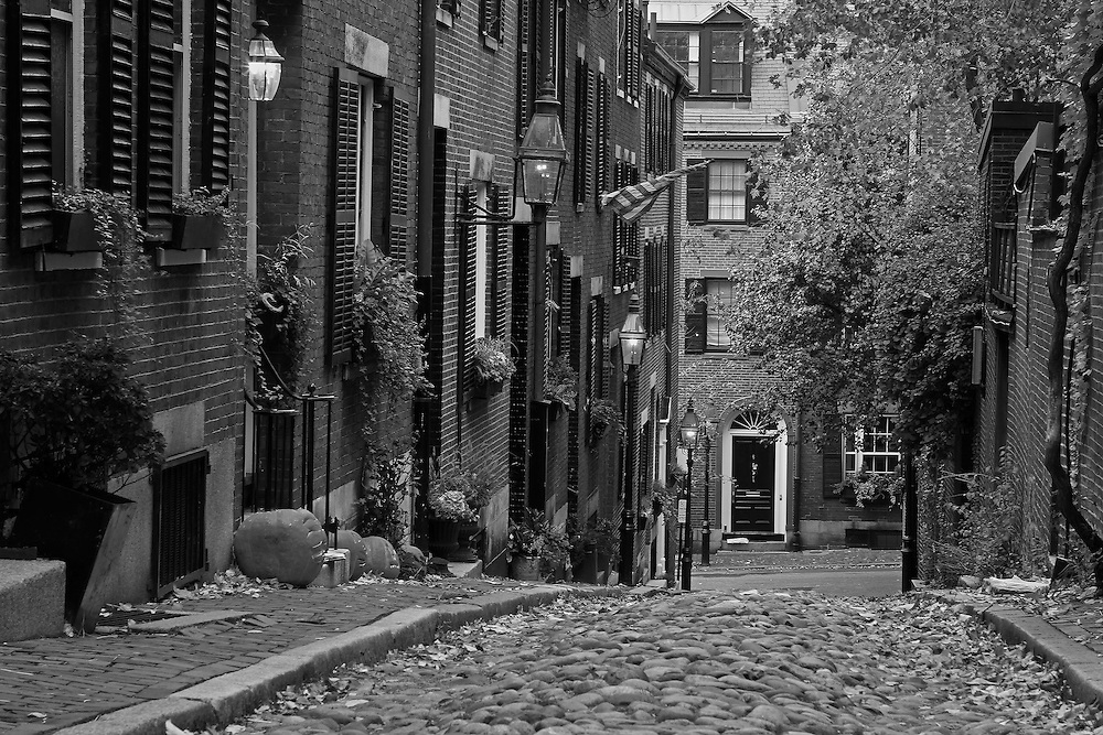 Boston bw photography of the famous acorn street in beacon hill this historic and iconic