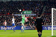 04-02-2016 VOETBAL:PSV-UTRECHT:BEKER:EINDHOVEN<br /> Robbin Ruiter van FC Utrecht stompt de bal weg voor Luuk de Jong van PSV er bij kan komen<br /> <br /> Foto: Geert van Erven