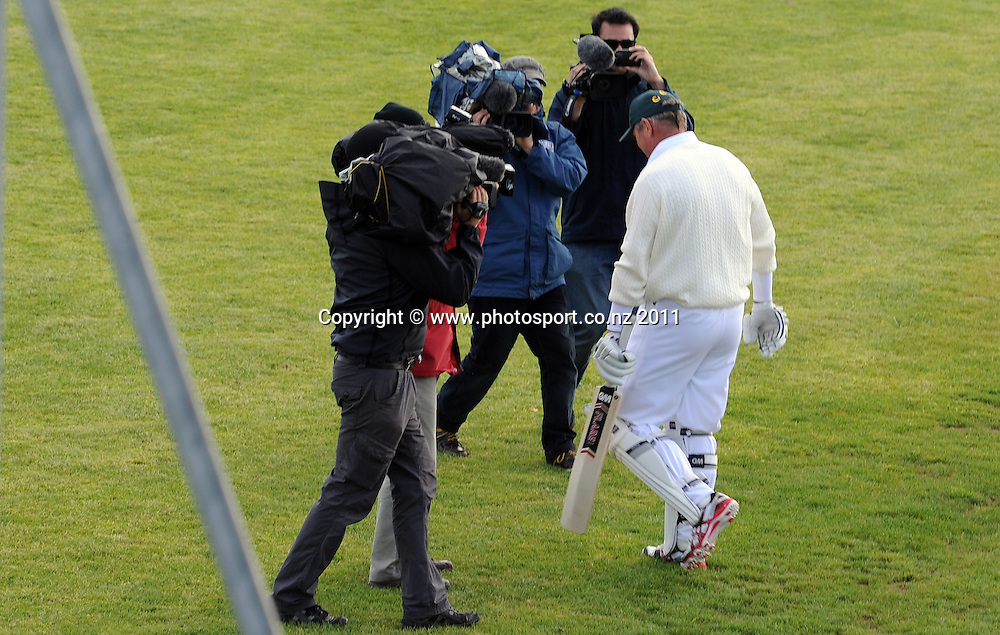 Former New Zealand captain Martin Crowe heads to the crease for his comeback game from retirement Auckland Club Cricket, Papatoetoe v Cornwall Reserves, Papatoetoe Recreation Centre, Auckland. Saturday 5 November 2011. Photo: Andrew Cornaga/ Photosport.co.nz
