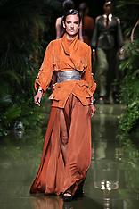 Paris - Alessandra Ambrosio Walks In The Balmain Show - 29 Sep 2016