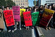 Roma 17 Novembre 2011.Manifestazione degli  studenti medi e universitari, contro il governo Monti..I book-block..