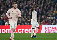 Football - 2018 / 2019 Premier League - Crystal Palace vs. Manchester United<br /> <br /> Romelu Lukaku (Manchester United) acknowledges the fans after scoring at Selhurst Park.<br /> <br /> COLORSPORT/DANIEL BEARHAM