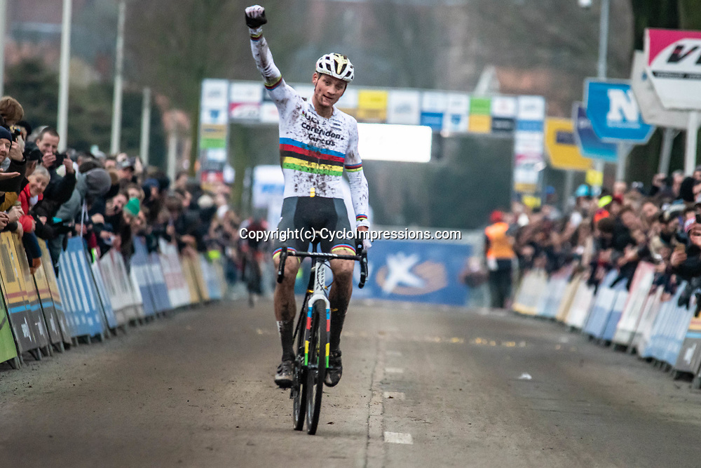 2019-12-27 Cycling: dvv verzekeringen trofee: Loenhout: Mathieu van der Poel books his 14th win this season