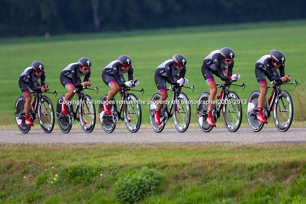 Boels Rental Ladies Tour Coevorden TTT 1th Specialized Lululemon  Carmen Small, Ellen van Dijk, Trixi Worrack, Evelyn Steens, Lisa Brennauer, Katie Colclough