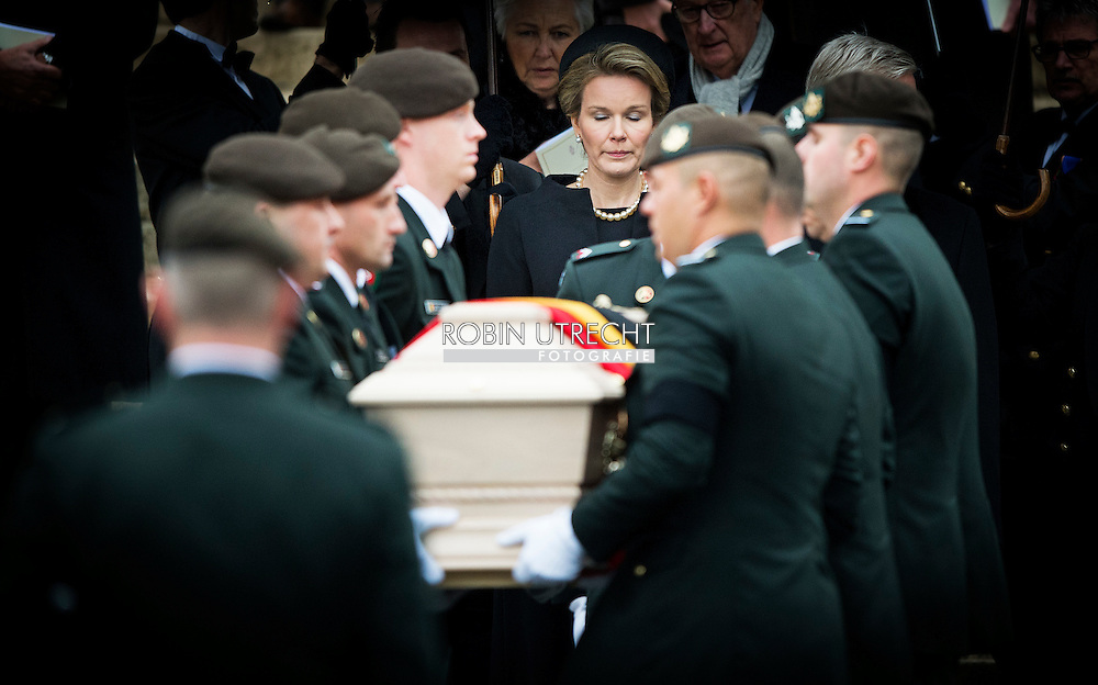12-12-2014 - BRUSSEL - The funeral of Queen fabiola in Brussel The coffin with the body of Queen Fabiola at the kathedraal with The King Filip and Queen Mathilde , King Albert and Queen Paola, Princess Astrid and Prince Lorenz and Prince Laurent and Princess Claire princess estelle are present queen Beatrix , Michiko from Japan King Harald from Norway King Philippe, Queen Mathilde, Princess Elisabeth, Prince Gabriel, Prince Emmanuel, Princess Eleonore, King Albert, Queen Paola, Princess Astrid, Prince Lorenz, Prince Laurent, Princess Claire, Princess Louise, Prince Aymeric, Prince Nicolas, Prince Amedeo, Princess Lili, Princess Maria Laura, Prince Joachim, Princess Luisa Maria, Prince Grand Duke Henri, Grand Duchess Maria Teresa, Grand Duke Jean, Hereditary Grand Duke Guillaume, Hereditary Grand Duchess Stephanie, Princess Lea, Princess Esmeralda, Prince Jean, Diane de Guerre, Prince Guillaume, Princess Sibilla, Princess Marie Astrid, Prince Carl Christian, Princess Margaretha, Prince Nikolaus, Queen Margrethe, Empress Michiko, King Carl Gustaf, Queen Silvia, King Harald, Princess Astrid, King Juan Carlos, Queen Sofia and Princess Beatrix and other royals attend the funeral of Queen Fabiola of Belgium at the Saint Michael and Saint Gudula cathedral in Brussels, Belgium, 12 December 2014. Queen Fabiola died 5 december at the age of 86.  COPYRIGHT ROBIN UTRECHT