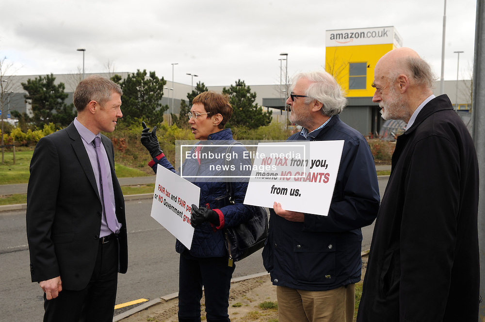 Willie Rennie, Amazon, Dunfermline, 14-4-2016<br /> <br /> Willie meets others otside Amazon in Dunfermline<br /> <br /> (c) David Wardle | Edinburgh Elite media