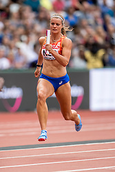 12-08-2017 IAAF World Championships Athletics day 9, London<br /> 4 x 100 meter relay met Dafne Schippers NED. Nederland kwam op de atletiekbaan van het Olympic Stadium tot een tijd van 42,64 seconden en plaatste zich voor de finale