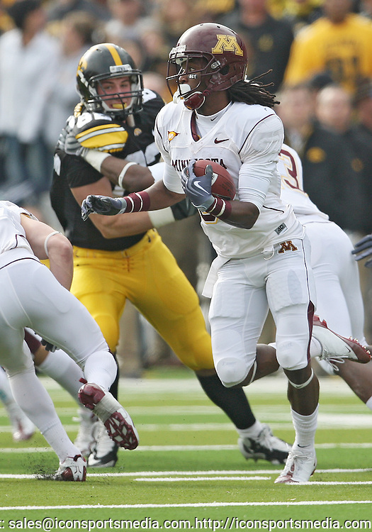 November 21, 2009: Minnesota running back Kevin Whaley (6) tries to get around the end during the first half of the Iowa Hawkeyes 12-0 win over the Minnesota Golden Gophers at Kinnick Stadium in Iowa City, Iowa on November 21, 2009.