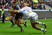Exeter Chiefs wing Olly Woodburn  trys to stop Wasps wing Marcus Watson  scoring in the corner during the Aviva Premiership match between Wasps and Exeter Chiefs at the Ricoh Arena, Coventry, England on 18 February 2018. Picture by Dennis Goodwin.