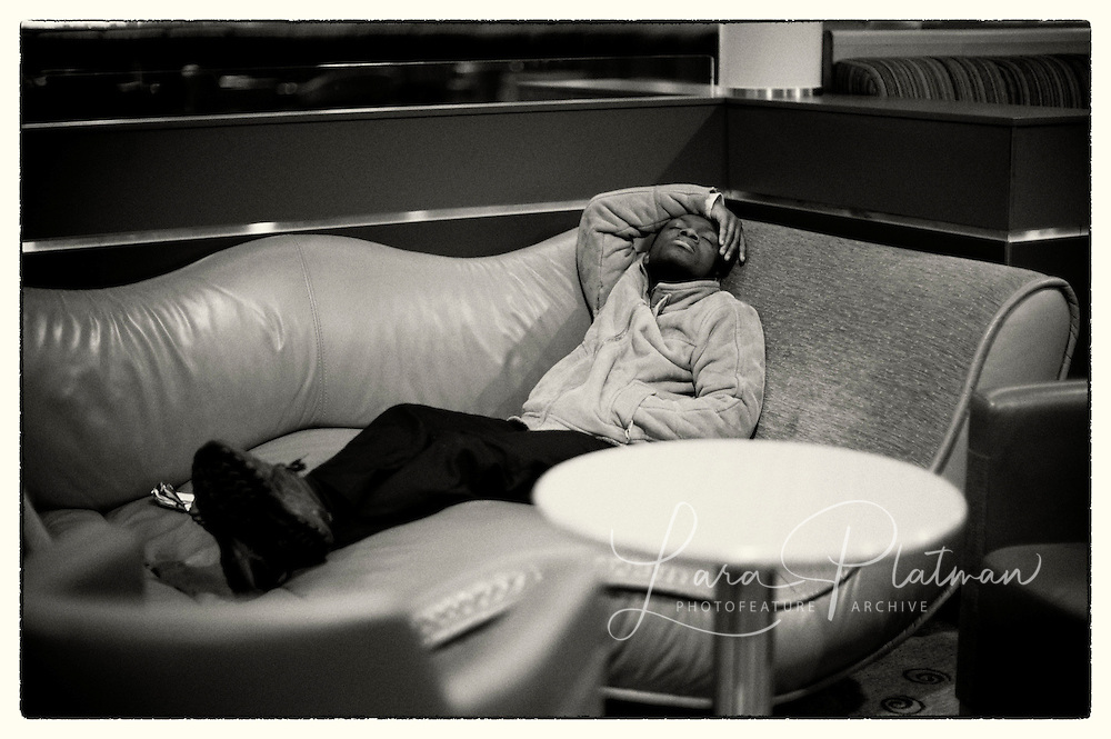 Aston Martin & Leica Roadtrip On the P&O ferry in Club Class and the public lounge - catching twenty winks on the wavey davey chair