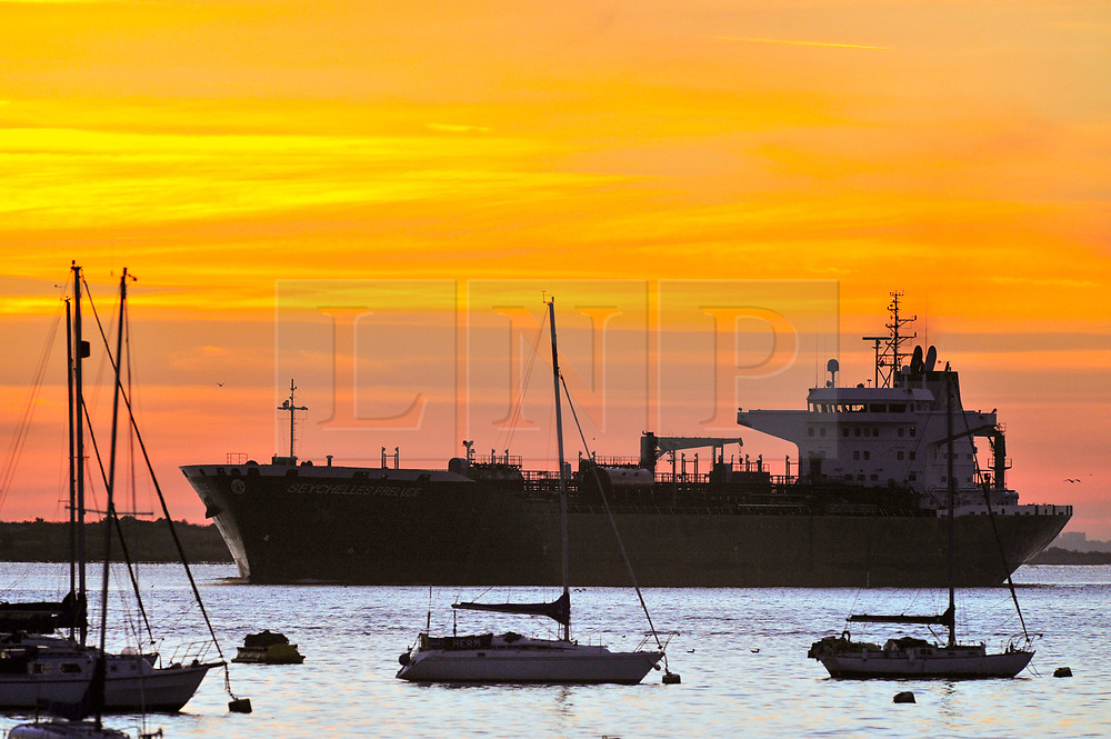 © Licensed to London News Pictures. 02/08/2018<br /> Gravesend, UK. Sunrise over the River Thames at Gravesend in Kent, as the UK is expected to experience another heatwave. Photo credit: Grant Falvey/LNP