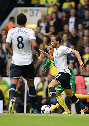 Tottenham's Andros Townsend runs with the ball  - Photo mandatory by-line: Mitchell Gunn/JMP - Tel: Mobile: 07966 386802 14/09/2013 - SPORT - FOOTBALL -  White Hart Lane - London - Tottenham Hotspur v Norwich - Barclays Premier League