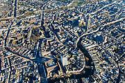 Nederland, Utrecht, Utrecht, 07-02-2018; groot overzicht binnenstad Utrecht, Neude met Neudeflat (architect Maaskant) en voormalig hoofdpostkantoor, Oude gracht met stadhuis richting Dom, Janskerkhof, Janskerk.<br /> Overview City centre Utrecht.<br /> <br /> luchtfoto (toeslag op standard tarieven);<br /> aerial photo (additional fee required);<br /> copyright foto/photo Siebe Swart