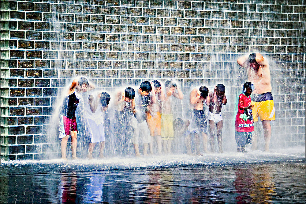 People cooling at the fountain, Crown Fountain, summer of 2006