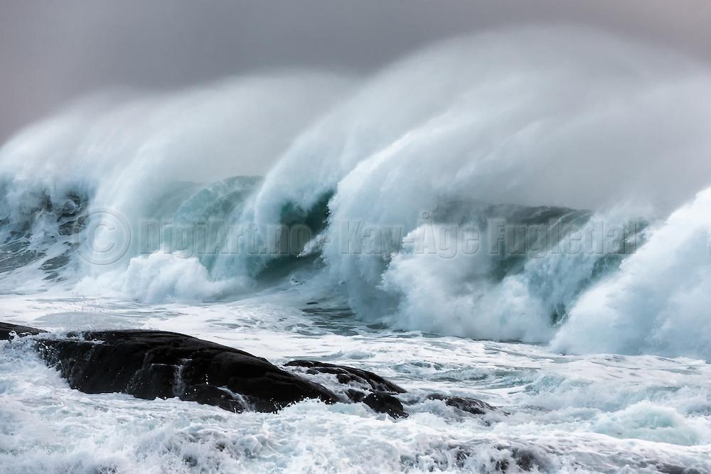 Black and white wave picture | Bølgebilde i sort hvitt