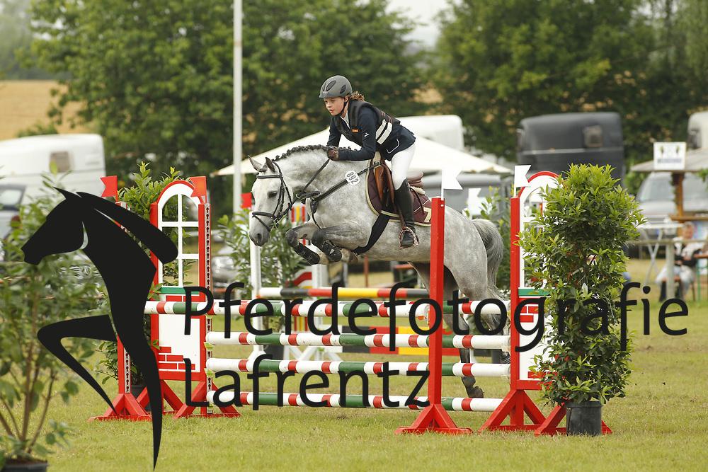 Mortensen, Marliese, El Diamond<br /> Eutin - Dressur- und Springturnier<br /> Ponystilspringen<br /> © www.sportfotos-lafrentz.de/Stefan Lafrentz