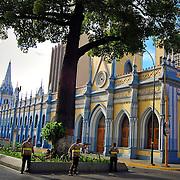 PASEO DE PATRIMONIO CULTURAL<br /> Caracas - Venezuela 2008<br /> Photography by Aaron Sosa<br /> <br /> El Paseo de Patrimonio Cultural se encuentra en la cuadra San Francisco y le fue dado ese nombre por estar ubicados varios edificios historicos de la ciudad capital.