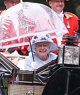 The Queen arrives in the rain in good spirits at Royal Ascot 2019