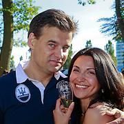 NLD/Rijswijk/20110601 - Uitreiking Talkies Terras Award 2011, Wilfred Genee en partner Lili Pirayesh