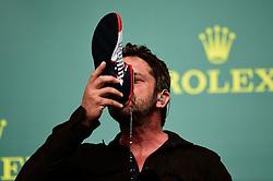 Formel 1: Grosser Preis der USA in Austin, Renntag / 231016<br /> <br /> ***Gerard Butler (GBR) Actor on the podium.<br /> 23.10.2016. Formula 1 World Championship, Rd 18, United States Grand Prix, Austin, Texas, USA, Race Day.<br /> ***