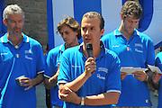 DESCRIZIONE : Firenze Raduno Collegiale Nazionale Italiana Maschile Premiazione Consegna Chiavi Cittˆ Firenze<br /> GIOCATORE :  Simone Pianigiani<br /> SQUADRA : Nazionale Italia Uomini <br /> EVENTO : Raduno Collegiale Nazionale Italiana Maschile <br /> GARA : Allenamento<br /> DATA : 15/07/2010 <br /> CATEGORIA : Premiazione<br /> SPORT : Pallacanestro <br /> AUTORE : Agenzia Ciamillo-Castoria/M.Gregolin<br /> Galleria : Fip Nazionali 2010 <br /> Fotonotizia : Firenze Raduno Collegiale Nazionale Italiana Maschile Premiazione Consegna Chiavi Cittˆ Firenze<br /> Predefinita :