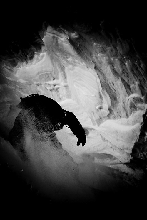 EVENT: NISSAN FREERIDE DE CHAMONIX-MONT-BLANC 2011 BY SWATCH, RIDER: XAVIER DE LE RUE - FRA, SPORT: SNOWBOARD, STYLE: ACTION.Freeride World Tour 2011 - Six locations around the world, Chamonix Mont-Blanc, Engadin St Moritz, Sochi, Kirkwood, Fieberbrunn and Verbier have been selected for the 4th edition of the Freeride World Tour..The planet's top freeride skiers and snowboarders, men and women travel around the world to prove their skills on some of the most challenging faces..www.freerideworldtour.com