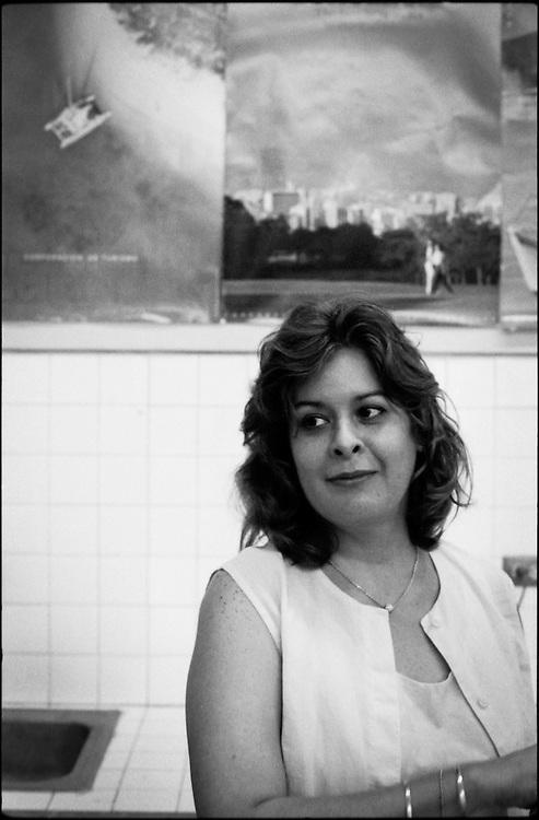 PORTRAITS / RETRATOS<br /> <br /> Marisela Morantes<br /> Art&iacute;sta Platico Venezolana<br /> Caracas - Venezuela 2000<br /> <br /> (Copyright &copy; Aaron Sosa