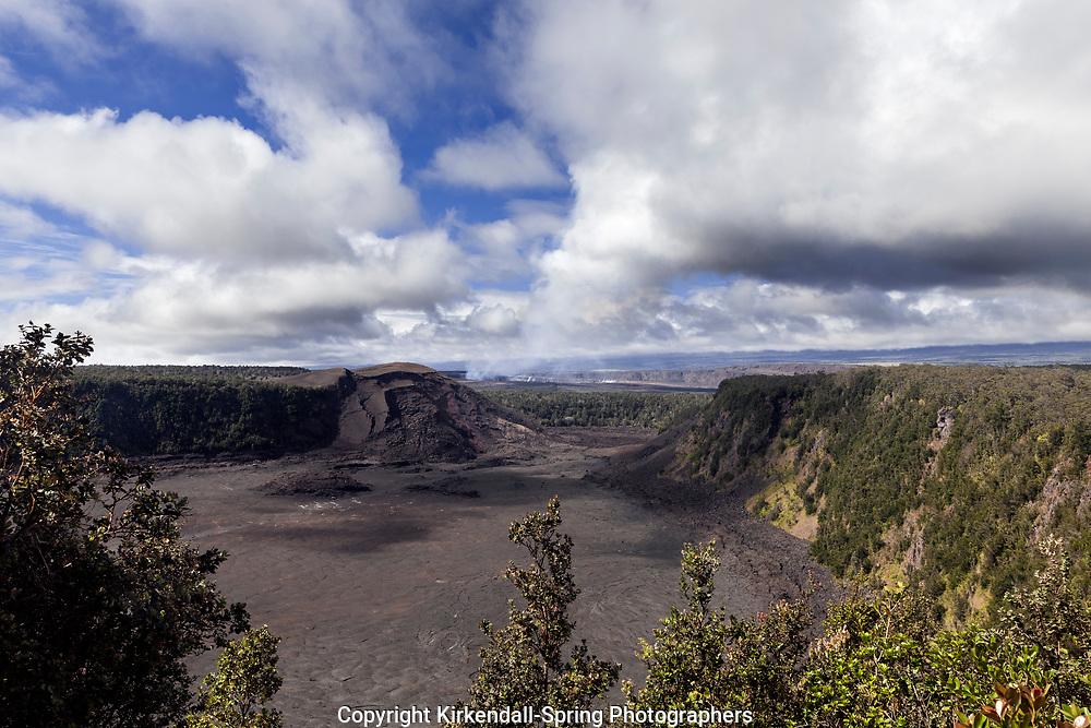 HI00297-00...HAWAI'I - Kilauea Iki Crater in Hawai'i Volcanoes National Park on the island of Hawai'i.