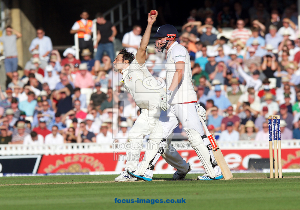 Mitchell Johnson of Australia bowling watched by Jonny Bairstow of England during the 5th Investec Ashes Test Match match at the Kia Oval, London<br /> Picture by Alan Stanford/Focus Images Ltd +44 7915 056117<br /> 21/08/2015