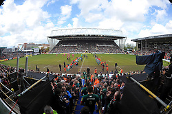 A general view of the Leicester Tigers team run onto the pitch - Photo mandatory by-line: Patrick Khachfe/JMP - Mobile: 07966 386802 25/04/2015 - SPORT - RUGBY UNION - Leicester - Welford Road - Leicester Tigers v London Welsh - Aviva Premiership