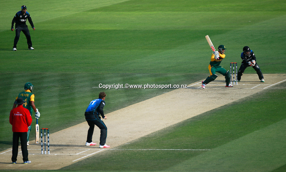 Jean-Paul Duminy of South Africa batting with Daniel Vettori of New Zealand bowling during the ICC Cricket World Cup warm up game between New Zealand v South Africa at Hagley Oval, Christchurch. 11 February 2015 Photo: Joseph Johnson / www.photosport.co.nz