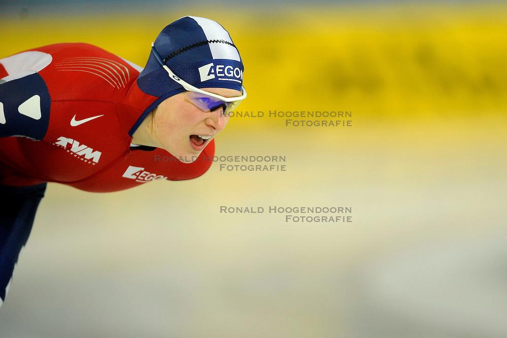 07-02-2009 SCHAATSEN: WK ALLROUND: HAMAR <br /> Ireen Wust op de 3000 meter<br /> &copy;2009-WWW.FOTOHOOGENDOORN.NL