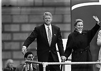 American President Bill Clinton addresses the crowd outside The Bank of Ireland In College Green, Dublin, with his wife Hillary Clinton, 01/12/1995. (Part of the Independent Newspapers Ireland/NLI Collection).