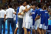 ATENE, 26 AGOSTO 2004<br /> BASKET, OLIMPIADI ATENE 2004<br /> ITALIA - PORTORICO<br /> NELLA FOTO: DINO MENEGHIN, ROBERTO CHIACIG<br /> FOTO CIAMILLO