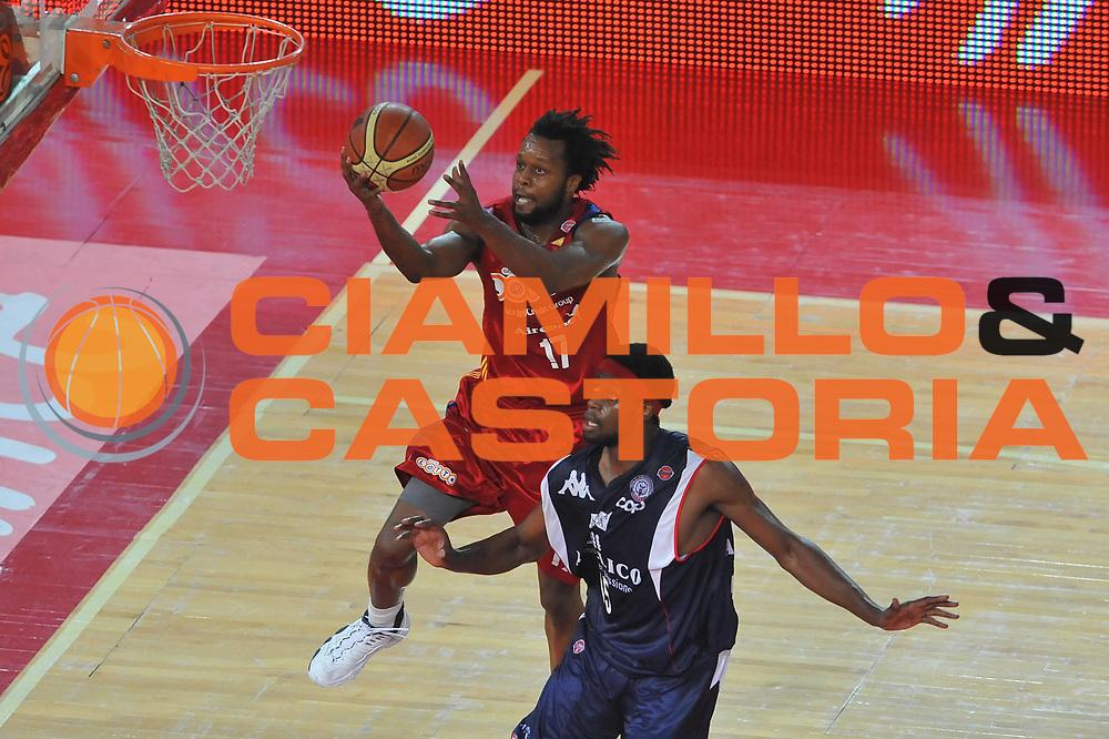 DESCRIZIONE : Roma Lega A 2008-09 Playoff Quarti di Finale Gara 1 Lottomatica Virtus Roma Angelico Biella<br /> GIOCATORE : Ruben Douglas<br /> SQUADRA : Lottomatica Virtus Roma<br /> EVENTO : Campionato Lega A 2008-2009 <br /> GARA : Lottomatica Virtus Roma Angelico Biella<br /> DATA : 18/05/2009<br /> CATEGORIA : Tiro<br /> SPORT : Pallacanestro <br /> AUTORE : Agenzia Ciamillo-Castoria/G.Vannicelli