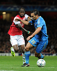 01.11.2011, Emirates Stadion, London, ENG, UEFA CL, Gruppe F, Arsenal FC (GBR) vs Olympique de Marseille (FRA), im Bild  Arsenal's Gervinho in action against Olympique de Marseille's Jeremy Morel // during UEFA Champions League group F match between Arsenal FC (GBR) and Olympique de Marseille (FRA) at Emirates Stadium, London, United Kingdom on 01/11/2011. EXPA Pictures © 2011, PhotoCredit: EXPA/ Propaganda Photo/ Chris Brunskill +++++ ATTENTION - OUT OF ENGLAND/GBR+++++