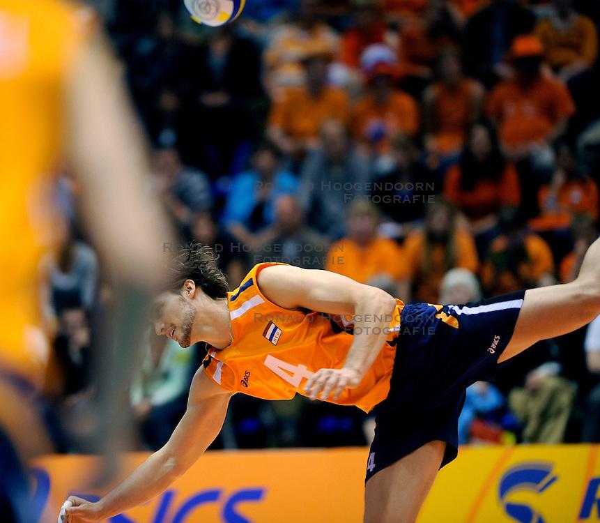 18-05-2008 VOLLEYBAL: EK KWALIFICATIE NEDERLAND - SLOVENIE: ROTTERDAM<br /> Nederland wint ook de laatste wedstrijd met 3-0 - Robert Horstink<br /> &copy;2008-WWW.FOTOHOOGENDOORN.NL